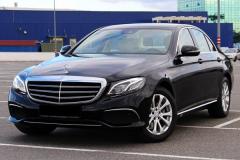 Mercedes_w213_E220-3