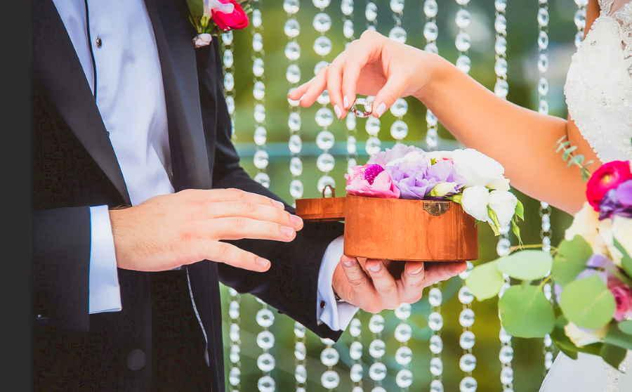 Кому лучше доверить организацию свадьбы?